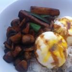 Poached Eggs & Mushrooms, Zuchini & Kecap Manis