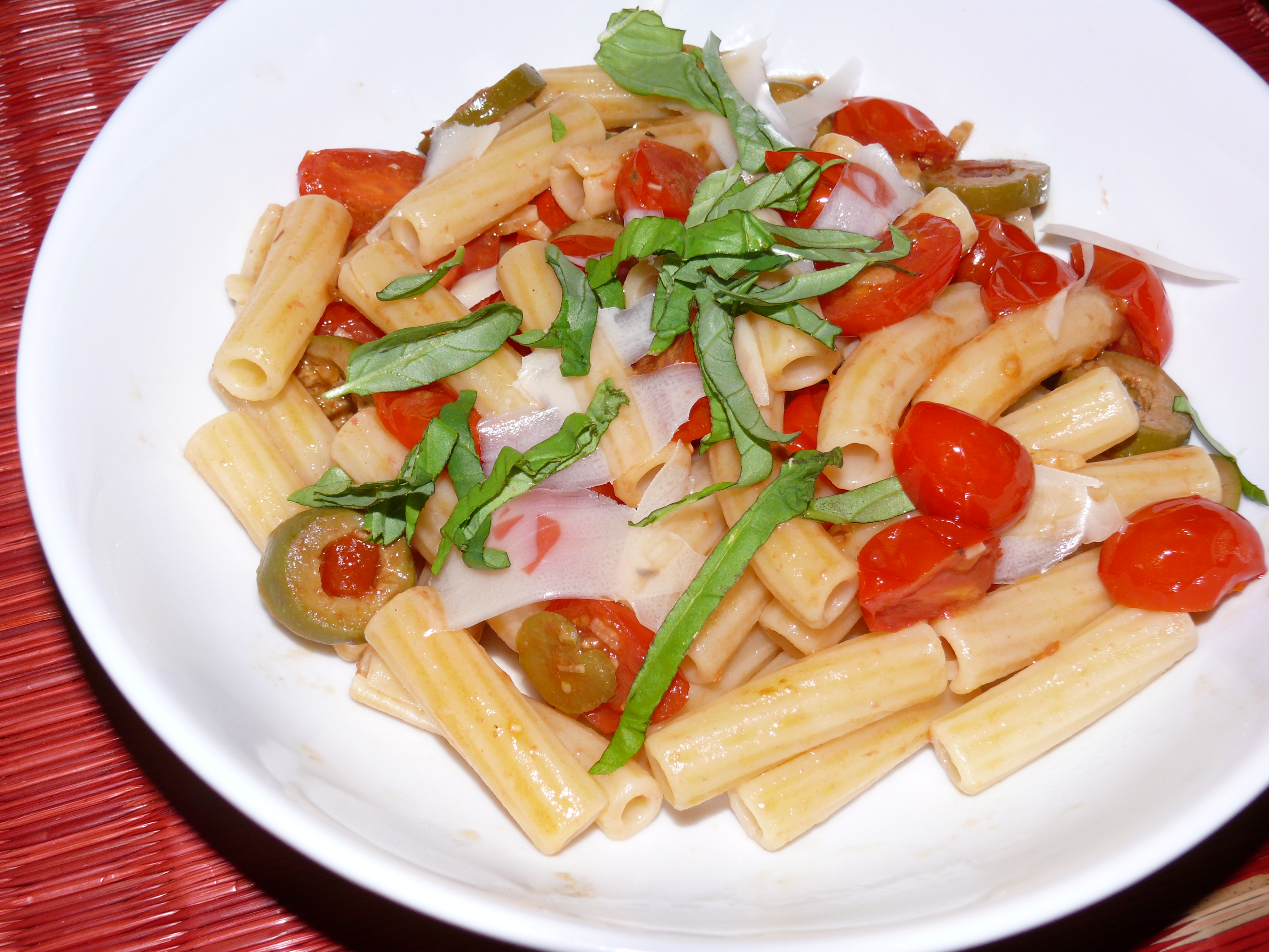 rigatoni fresh tomatoes olives