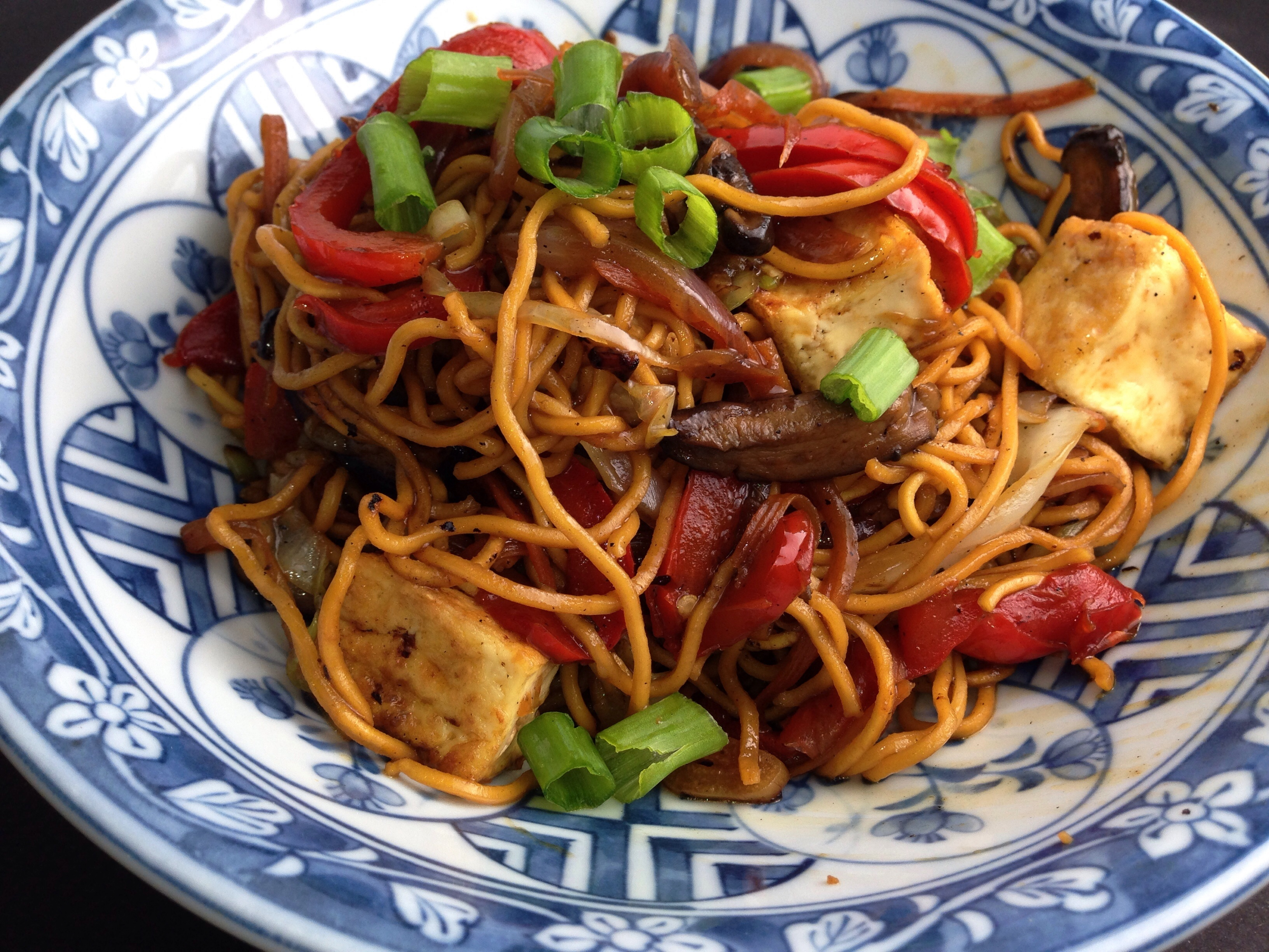 Sweet Soy Saucy Vegetable & Tofu Stir Fry Noodles - Mayabugs's Recipes