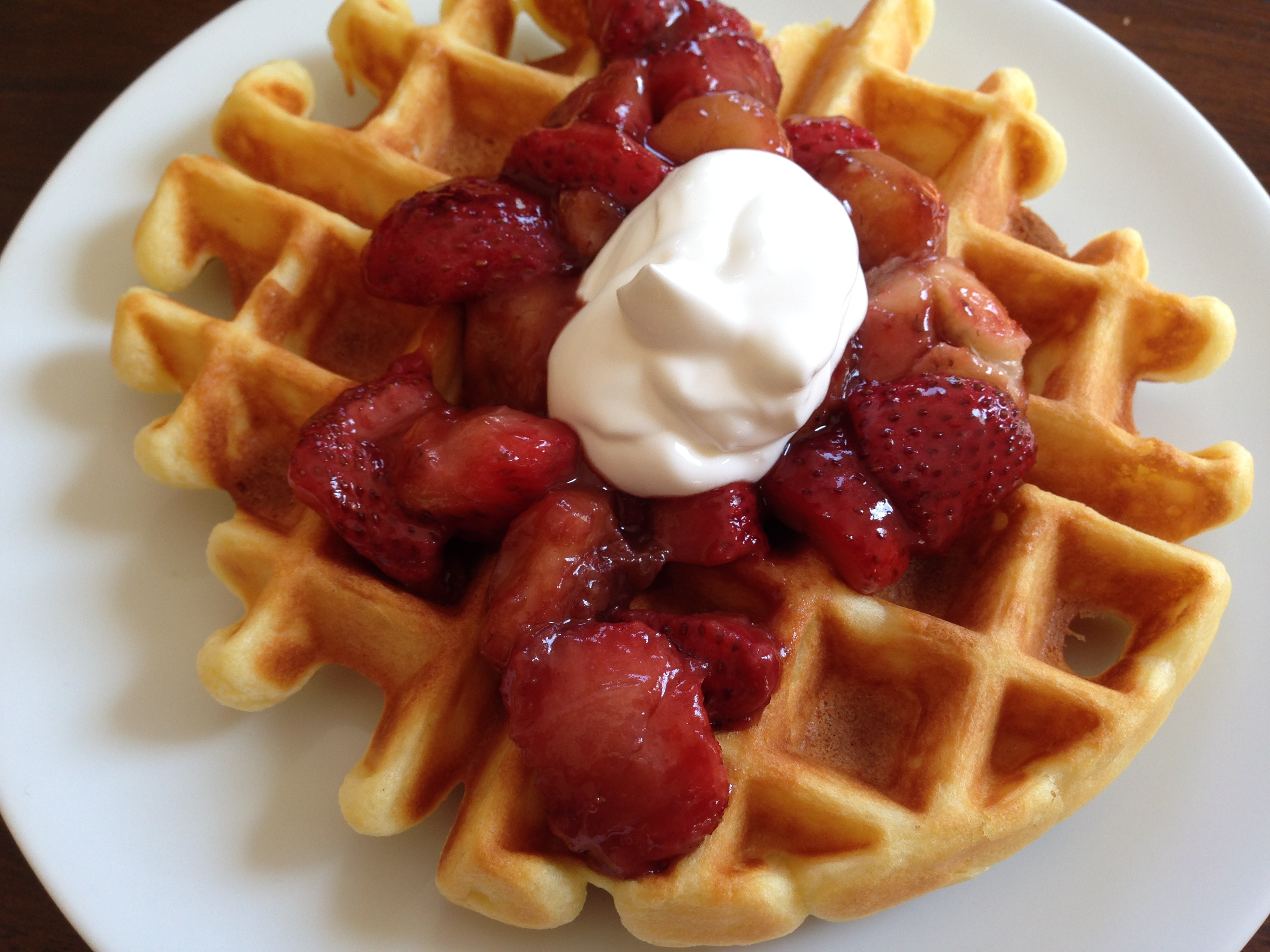 Sour Cream Waffles w/ Browned Butter Strawberries & Bananas - Mayabugs ...